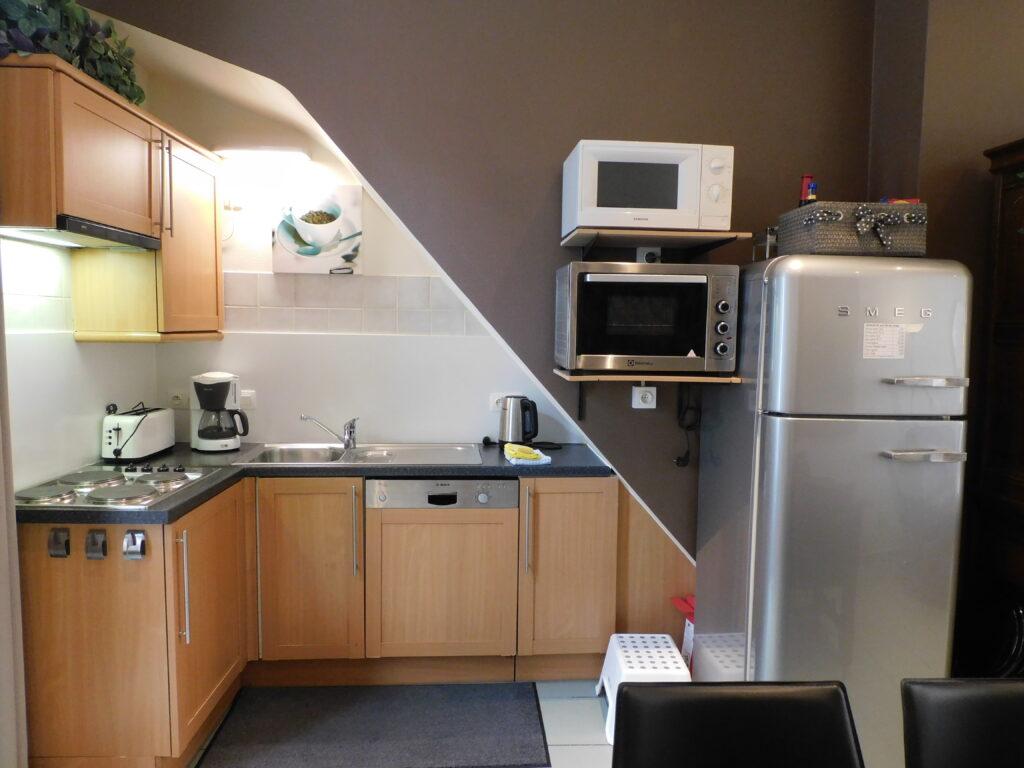 keuken koelkast afwasmachine diepvriesvak oven microgolf koffiezet